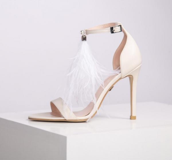 Модные тенденции: свадебные платья 2015