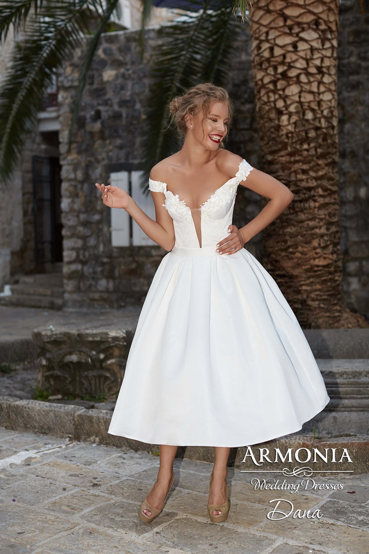 b8f0b2fe88ed40d Короткие свадебные платья – популярное решение для ярких невест